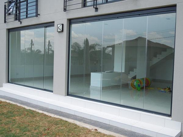 Infissi in alluminio ferro milano porte finestre vetrate - Finestre in alluminio milano ...