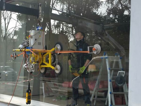 Riparazione-vetri-di-sicurezza-Milano
