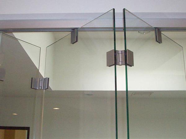 Vetrate-in-cristallo-interne-Milano