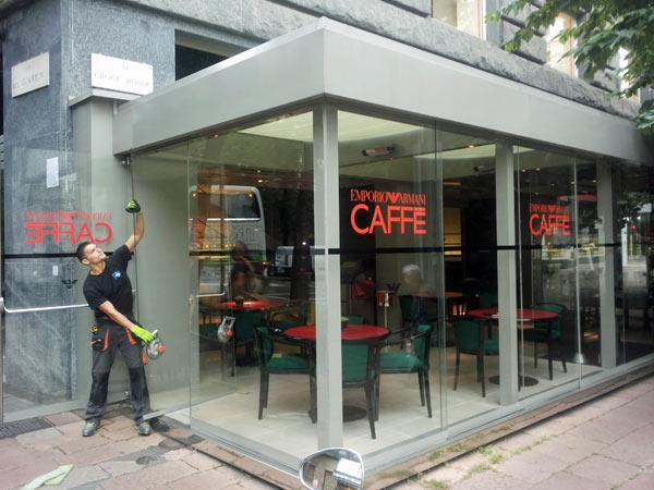 Vetrina-moderna-negozio-Milano